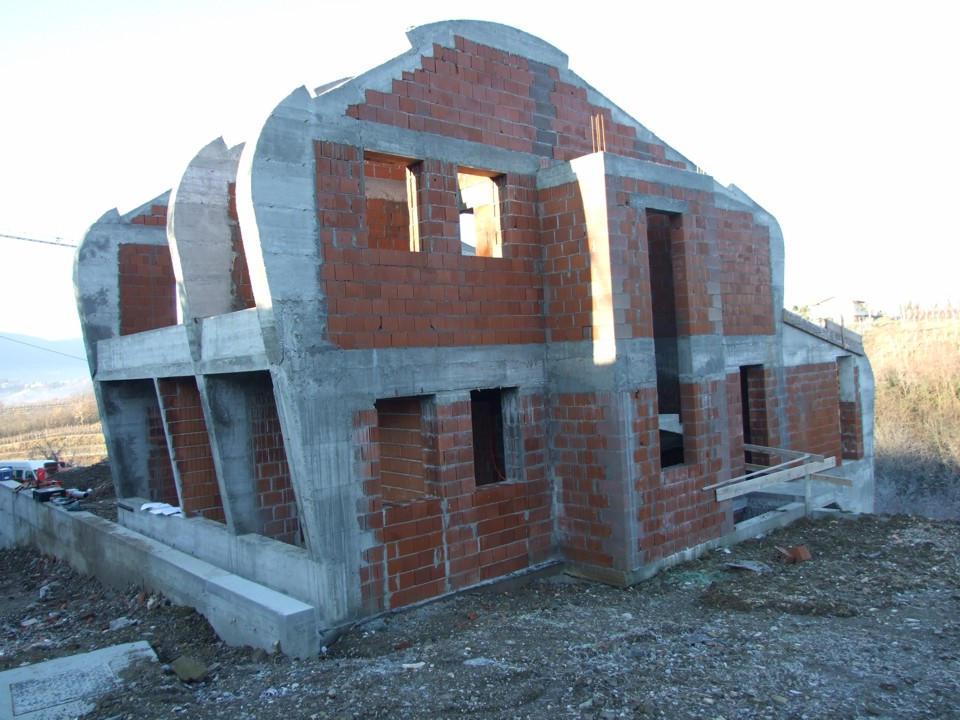 Prvačina - stanovanjska hiša
