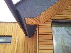 Lesena fasada Tržič - sibirski macesen - dovršeni detajli