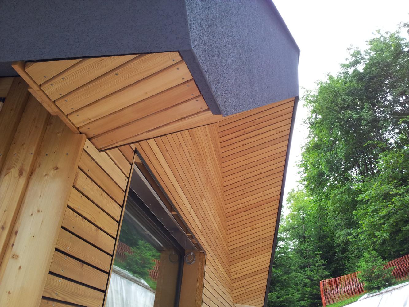 Lesena fasada Tržič - sibirski macesen